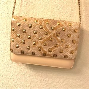 New! Crossbody bag with chains
